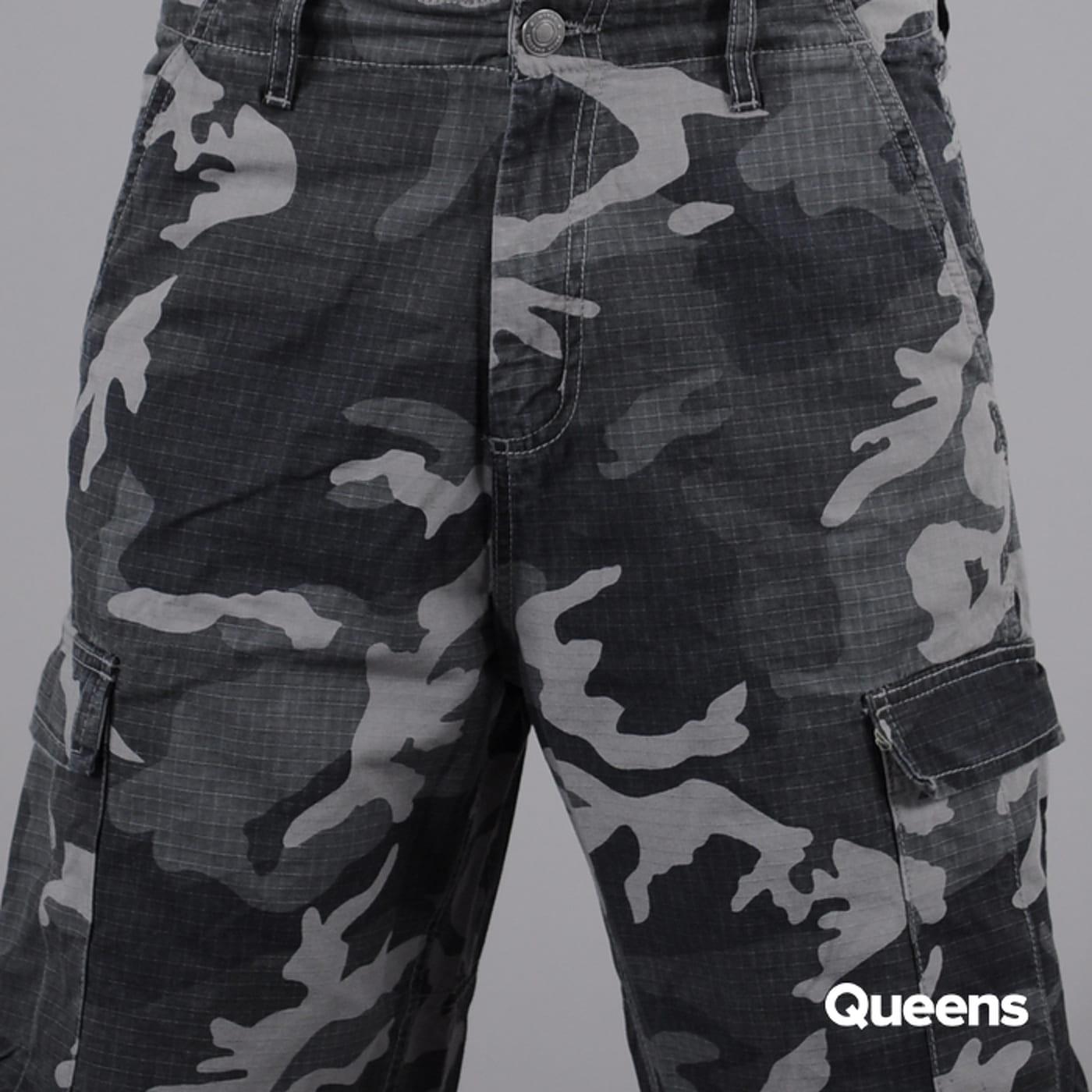 Urban Classics Camouflage Cargo Shorts camo čierne / šedé