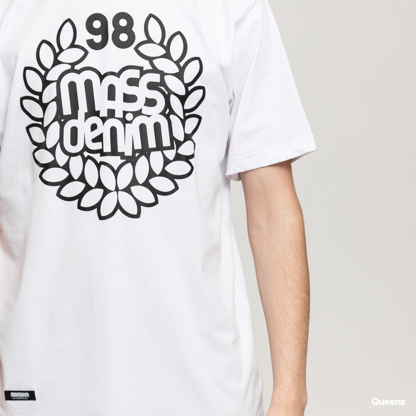 Mass DNM Base Tee white