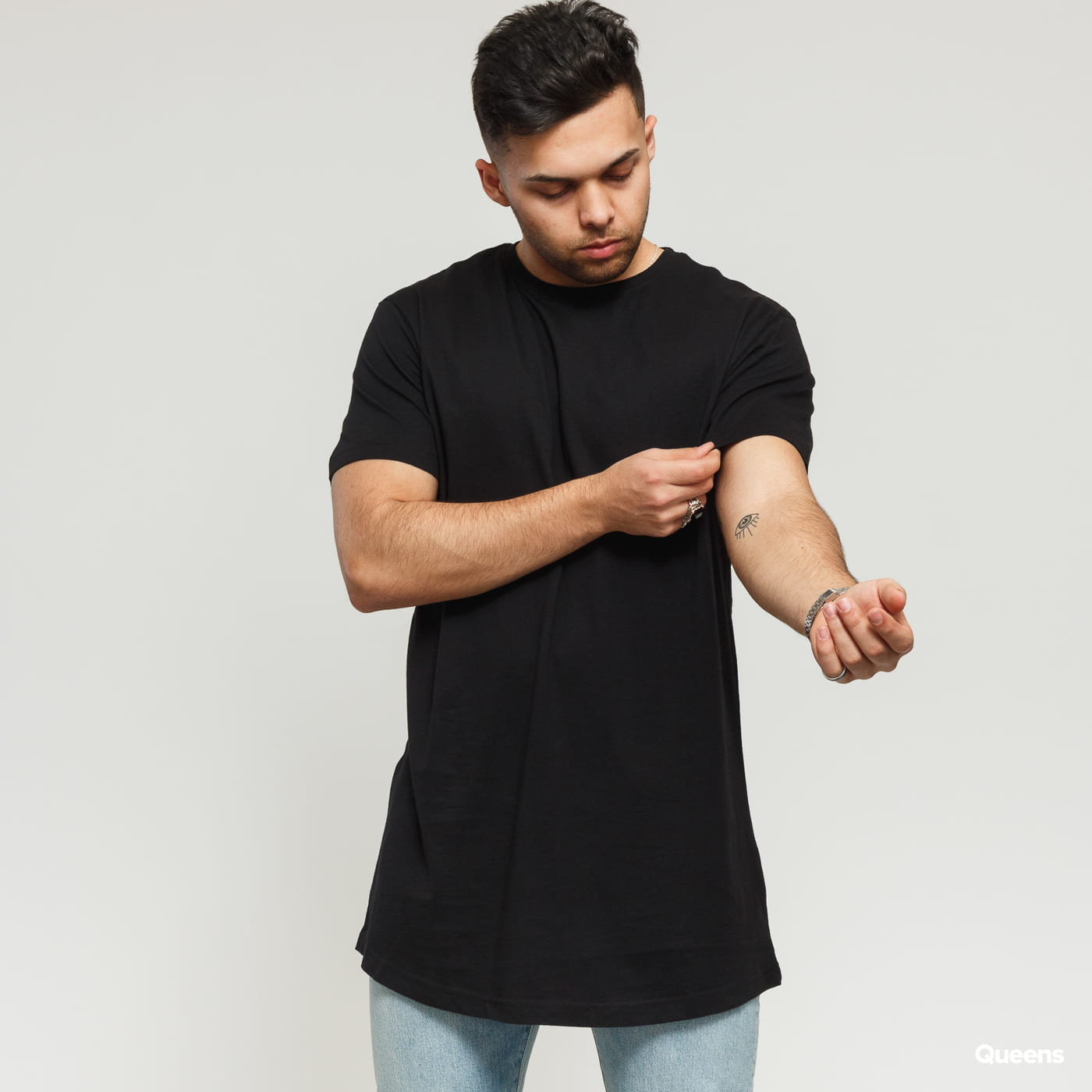 Urban Classics Shaped Long Tee čierne