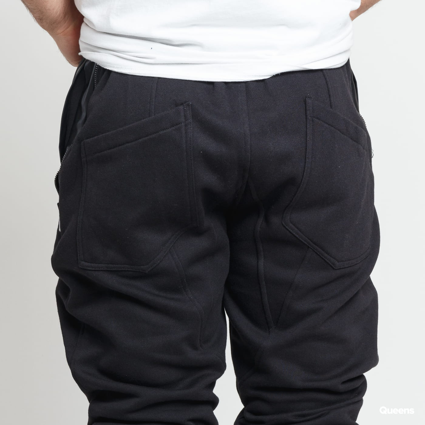 Urban Classics Side Zip Leather Pocket Sweatpant schwarz