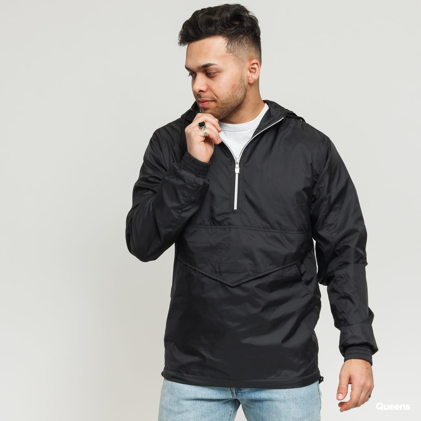 Urban Classics Pull Over Windbreaker čierna