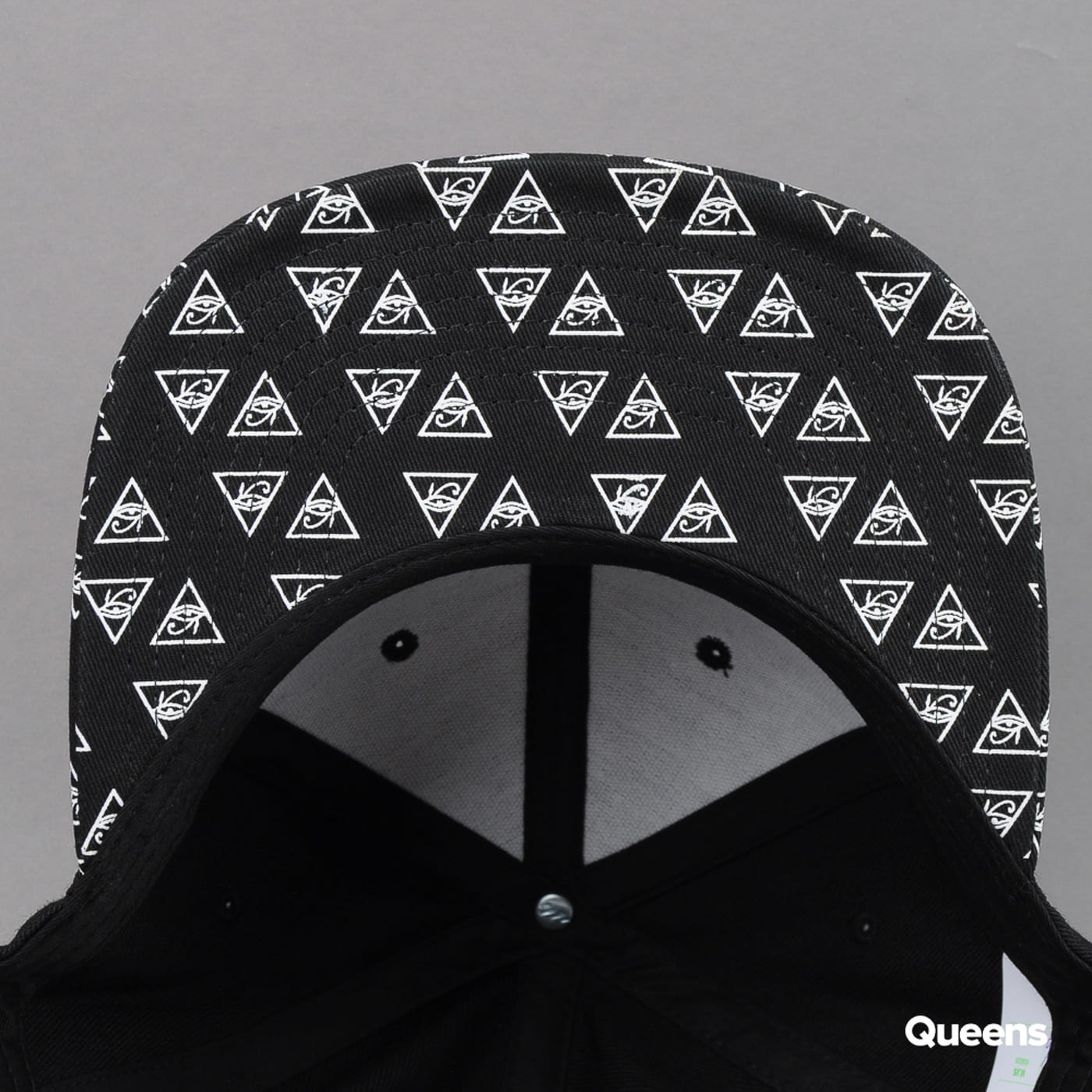 Yupoong Horus Eye Snapback black / white
