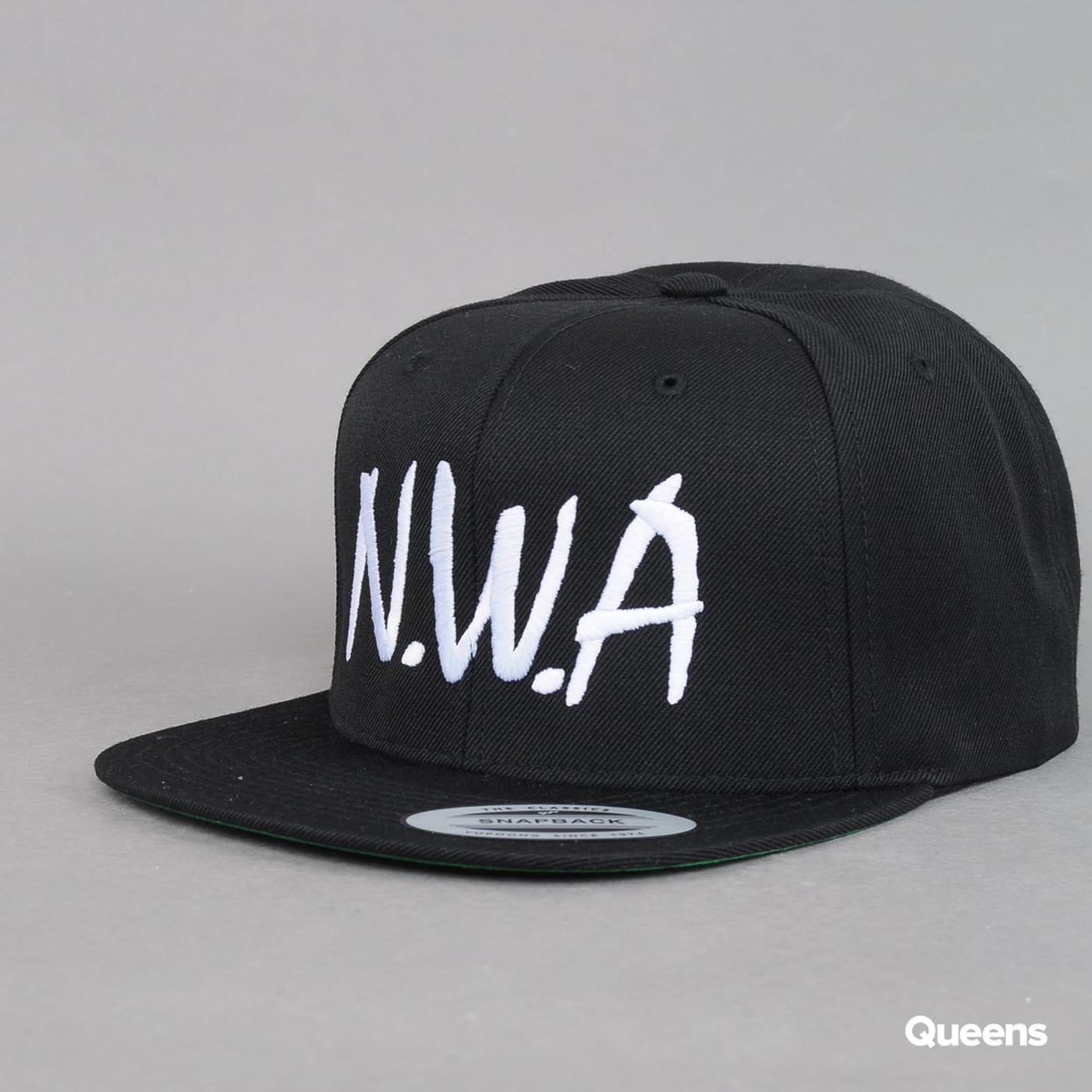 Yupoong N.W.A. Cap schwarz