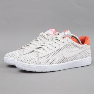 Nike Tennis Classic Ultra QS