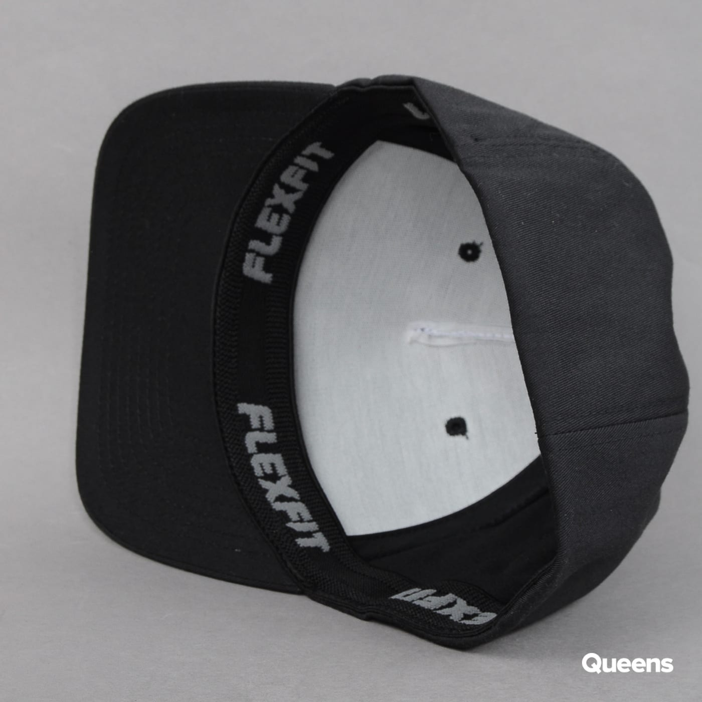 Yupoong Flexfit 5 Panel black