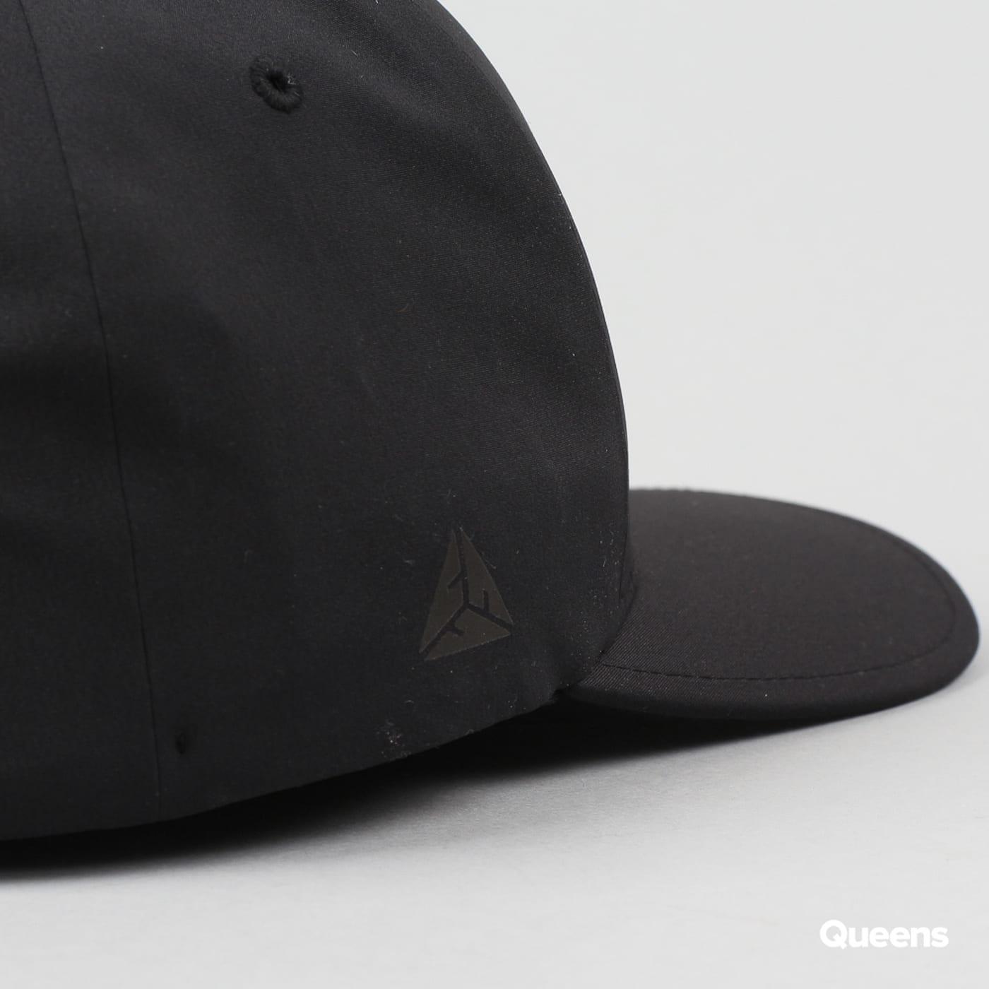 Yupoong Flexfit Delta schwarz