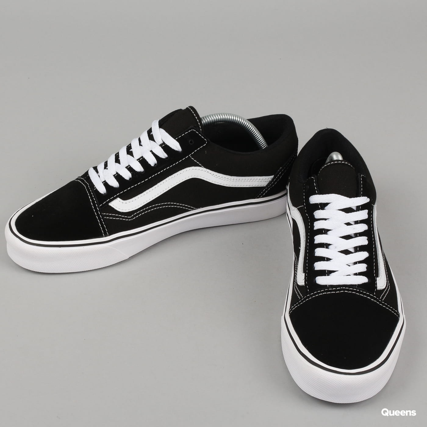 1797e5cd9378c5 Zoom in Zoom in Zoom in Zoom in Zoom in. Vans Old Skool Lite (suede canvas) black    white