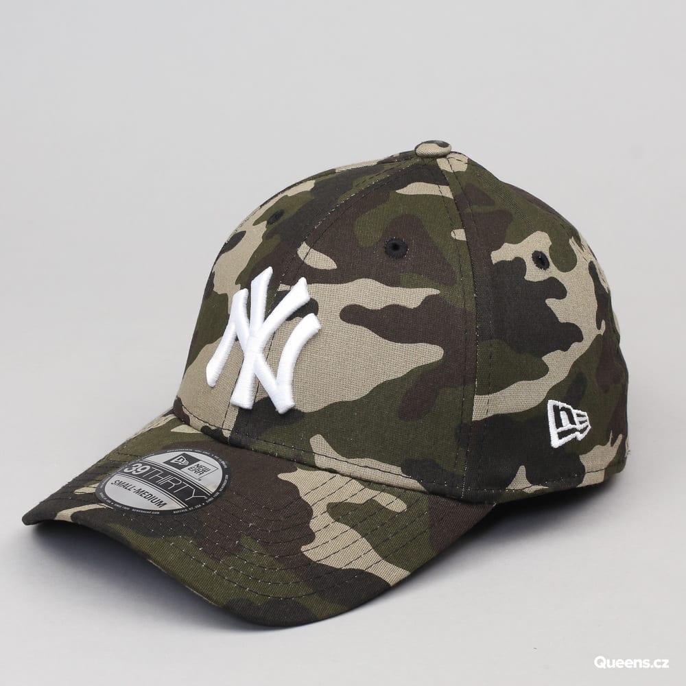 New Era MLB League Essential NY camo zelená / čierna