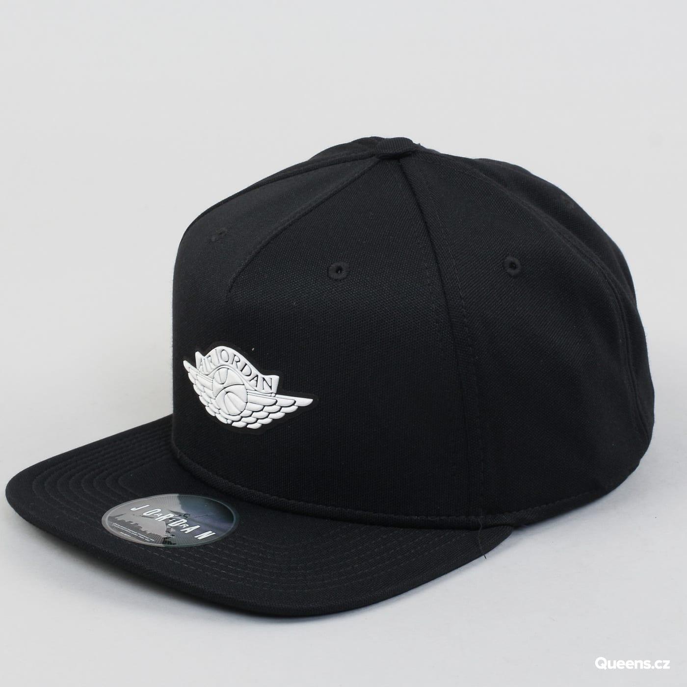 15541786d53 Snapback Jordan Wings Strapback (875117-010) – Queens 💚