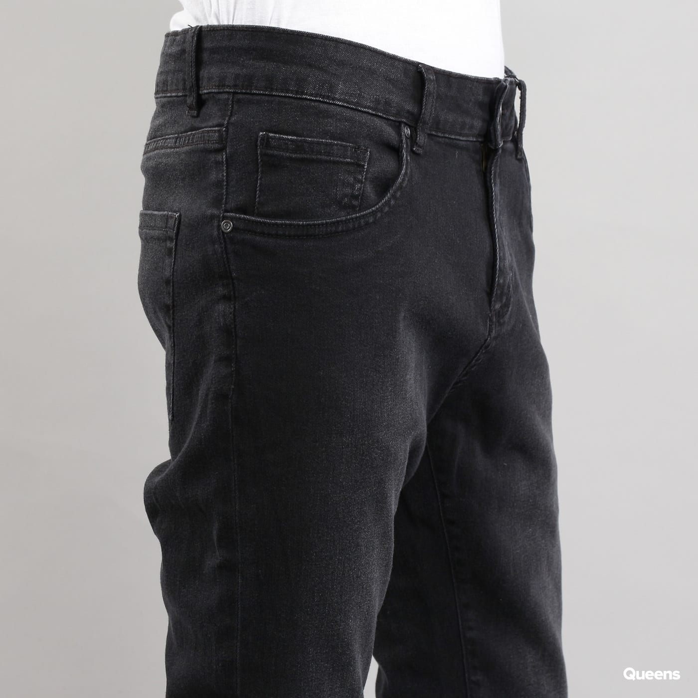 Urban Classics Slim Fit Knee Cut Denim Pant black washed