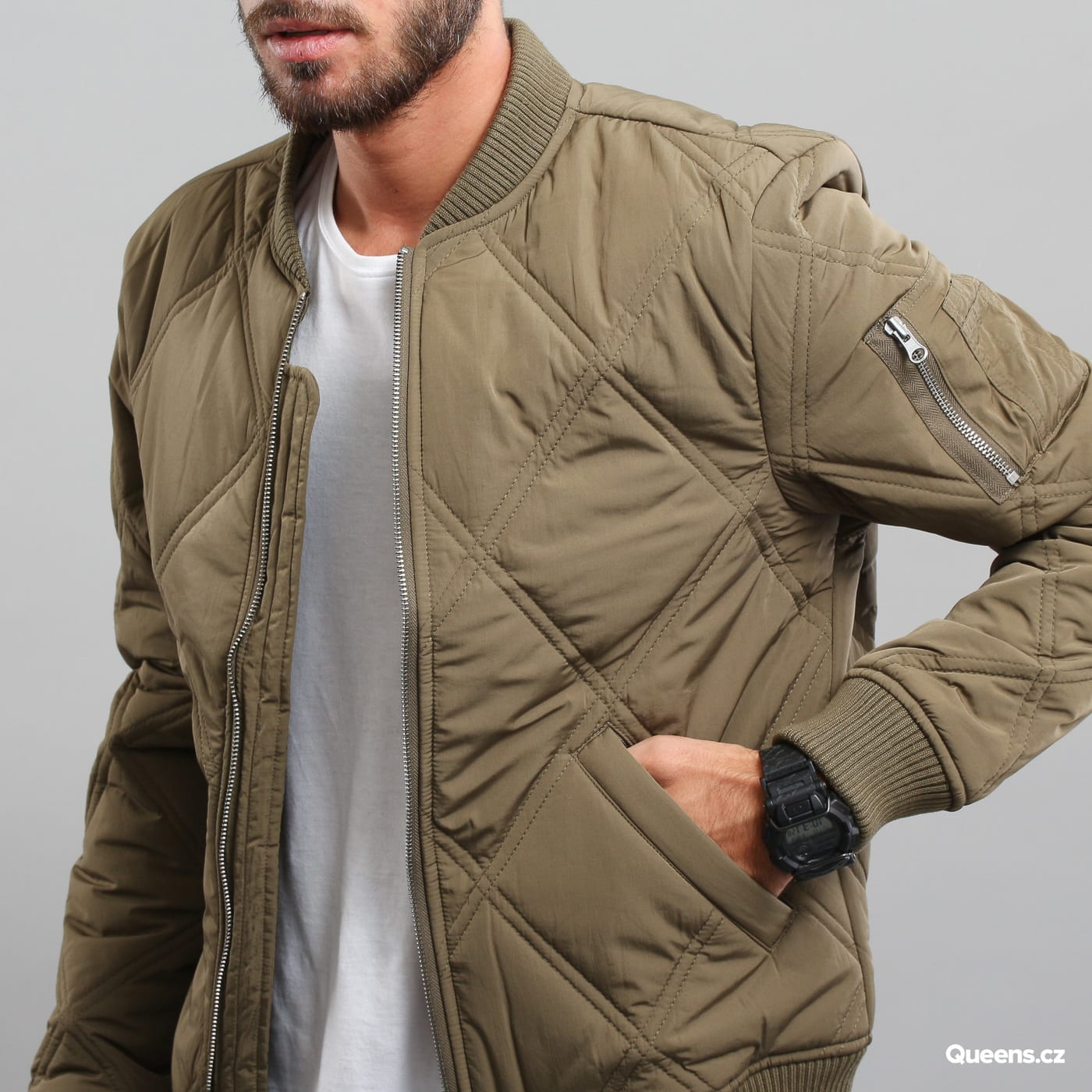 Urban Classics Big Diamond Quilt Bomber Jacket olive