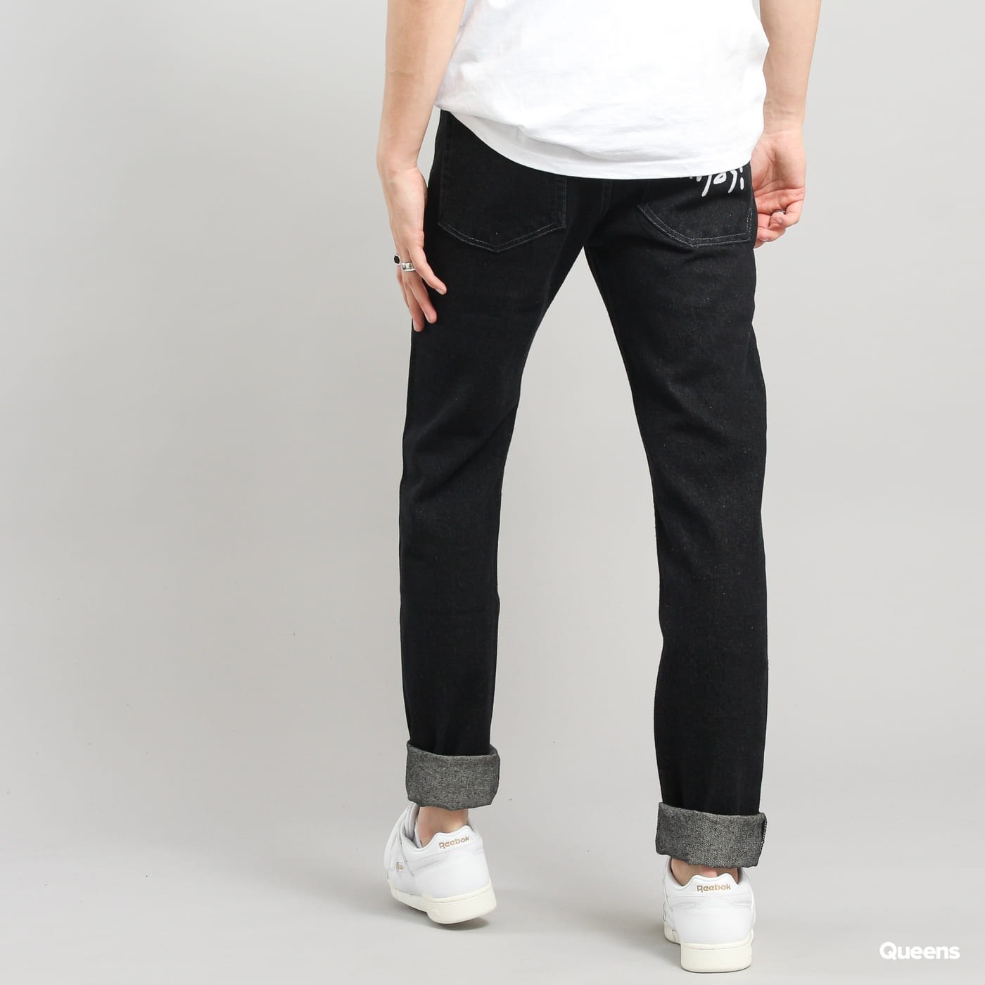 Mass DNM Signature Tapered Fit black rinse
