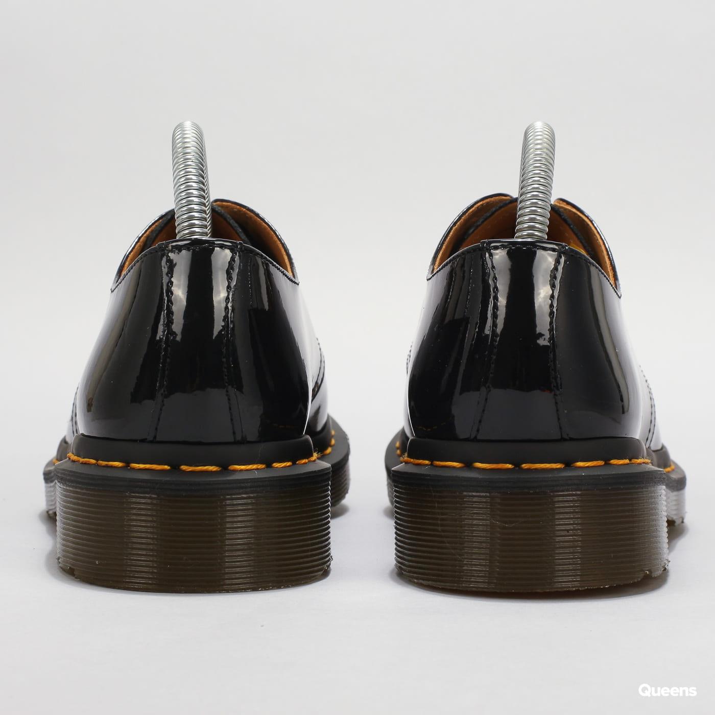Dr. Martens 1461 black patent lamper