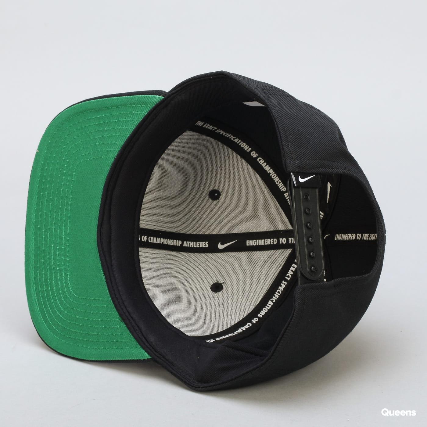 Nike U NSW Pro Cap Futura schwarz / grün