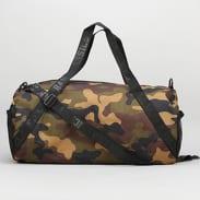 Urban Classics Sports Bag camo zelená