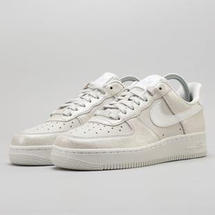 Nike WMNS Air Force 1 '07 Premium