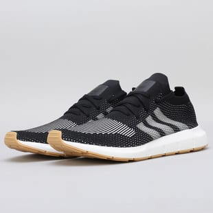 adidas Swift Run PK