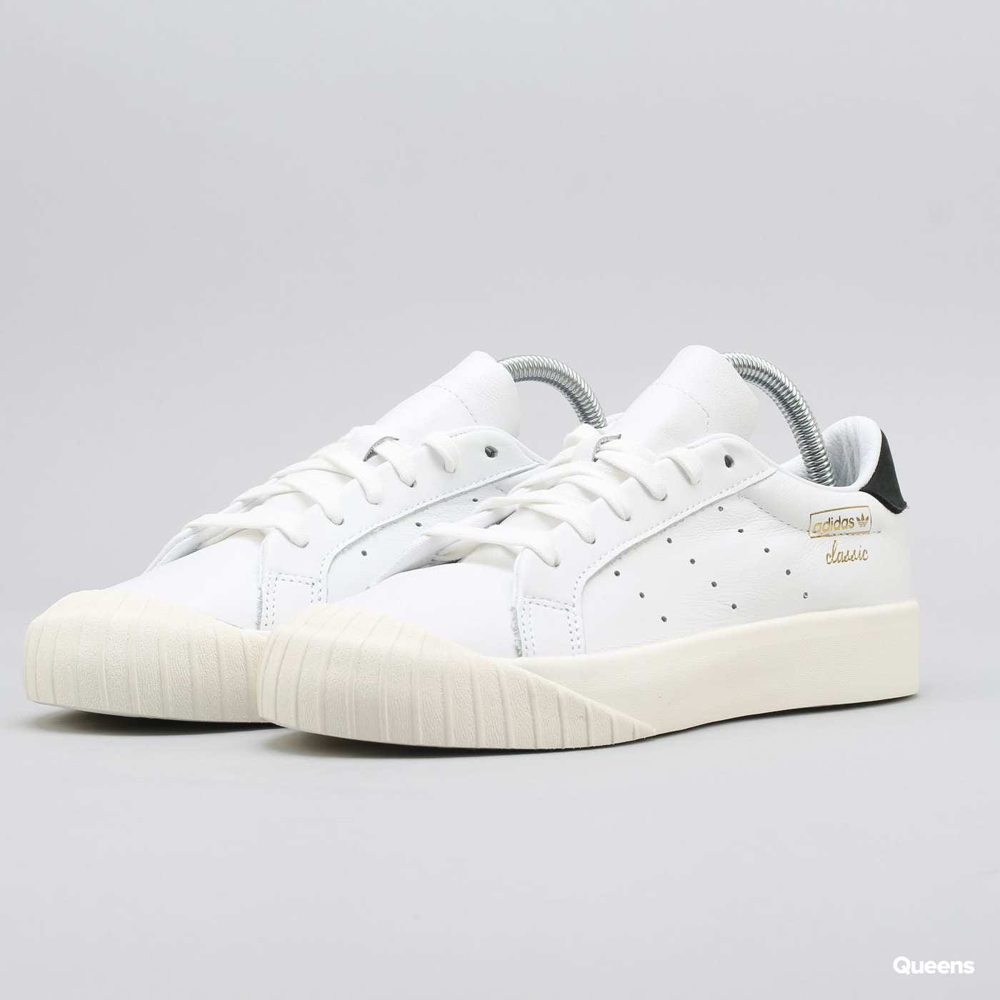 outlet store d271c fe4e5 adidas Everyn W – Queens