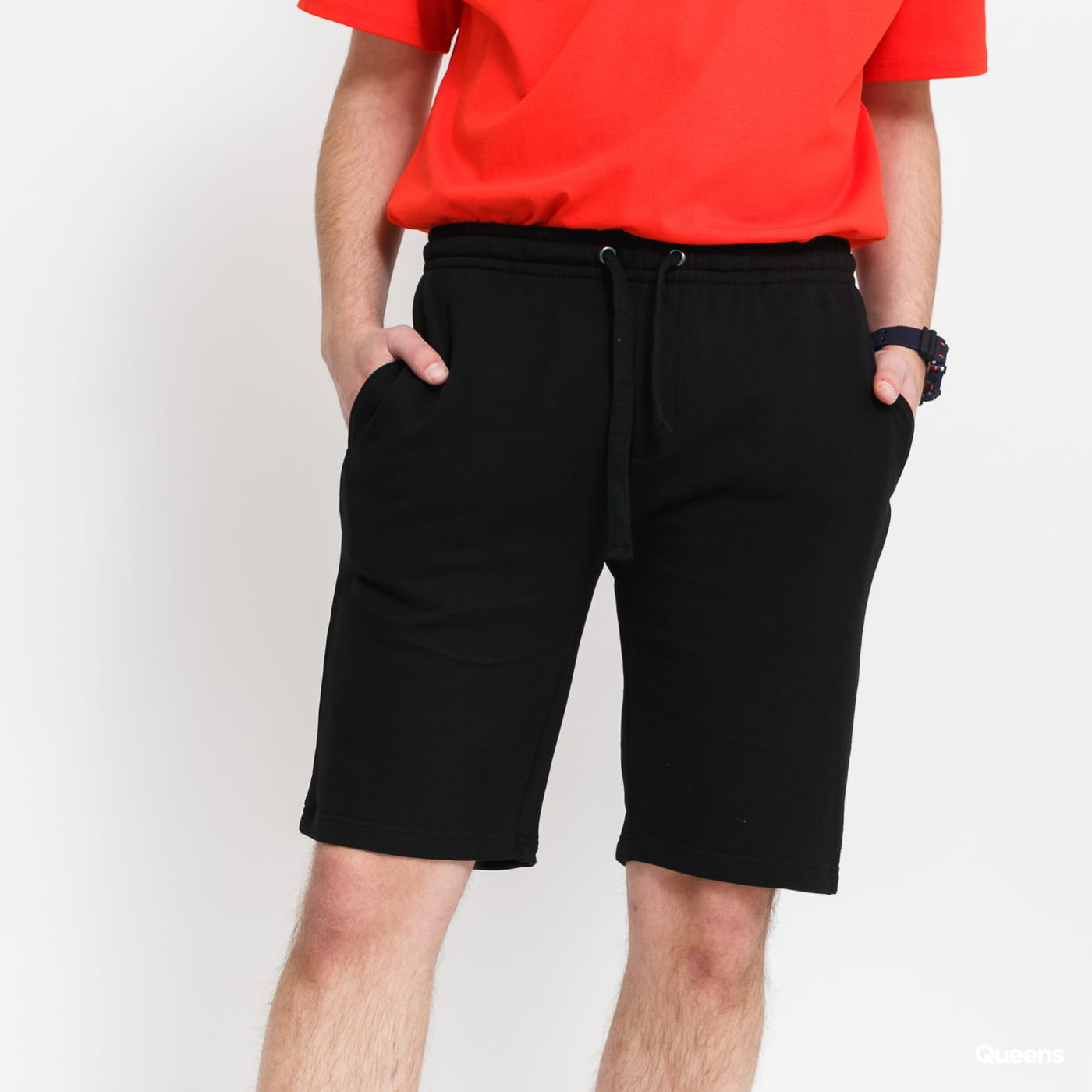 Urban Classics Basic Sweatshorts čierne