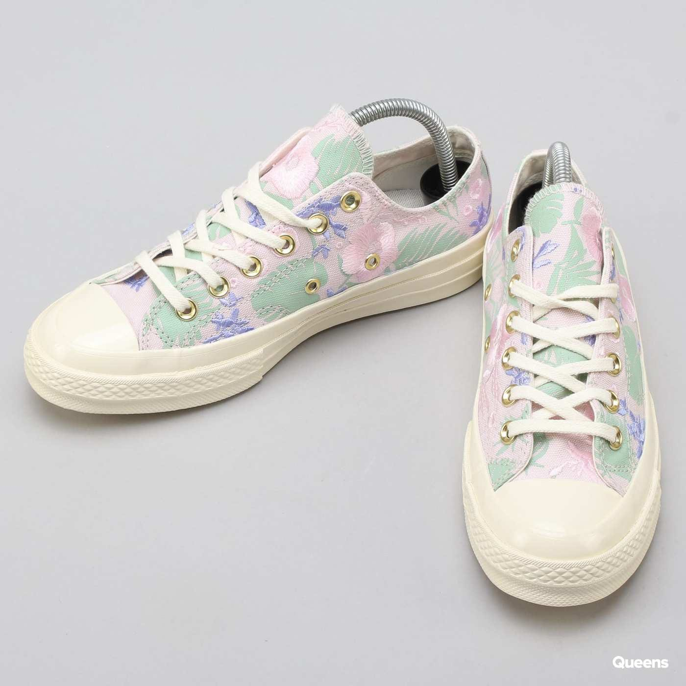 19c01f22e5bb ZvětšitZvětšitZvětšitZvětšitZvětšit. Converse Chuck Taylor All Star 1970s  OX barely rose   jaded   egret