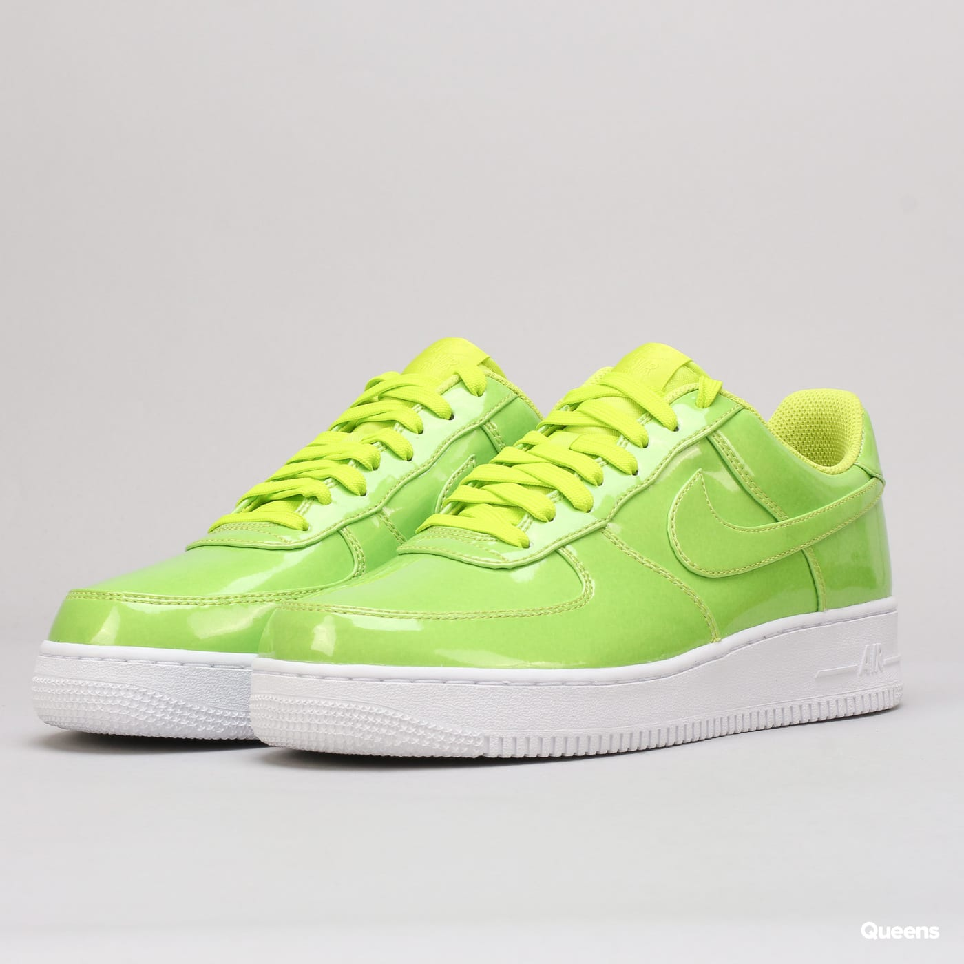 new product f63d4 79b62 Sneakers Nike Air Force 1  07 LV8 UV (AJ9505-300)– Queens 💚