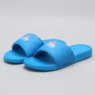 Pink Dolphin Waves 2.0 Slides