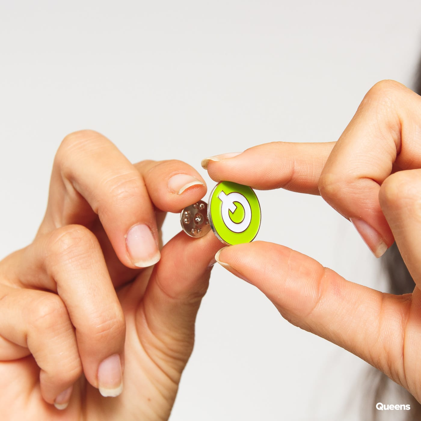 Queens Button green