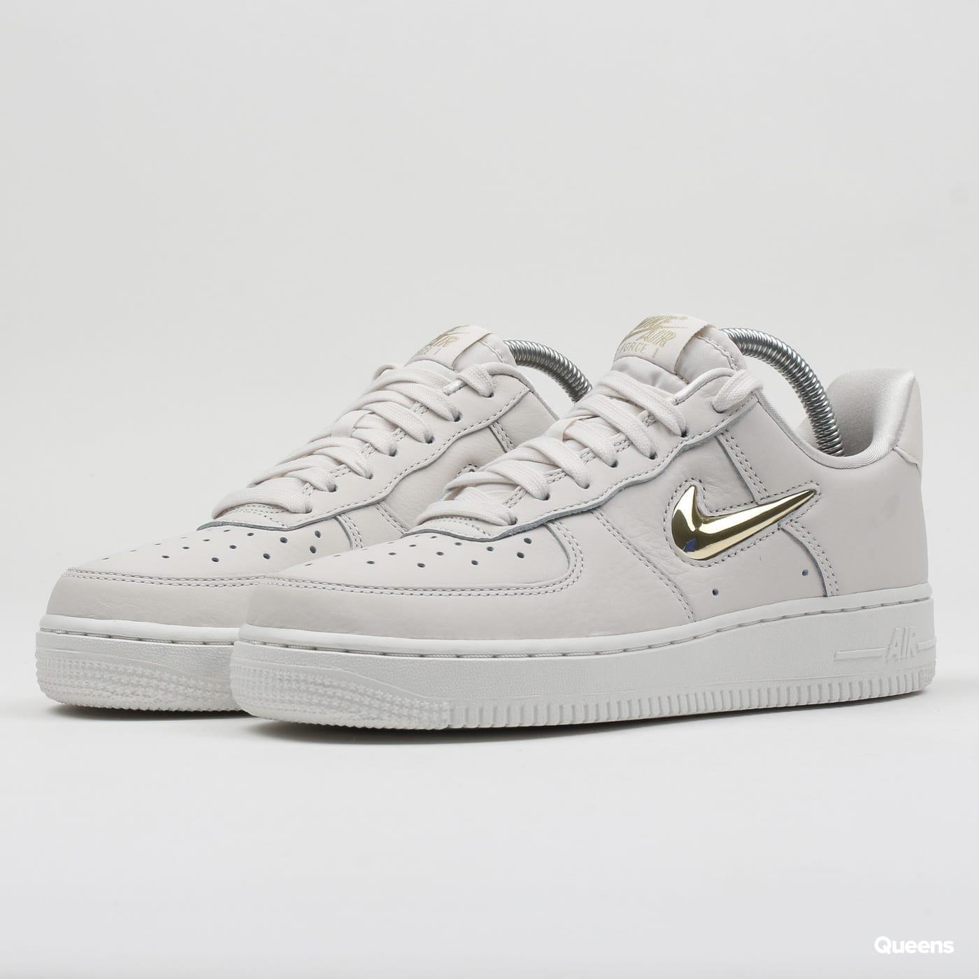 Nike WMNS Air Force 1 '07 Premium LX