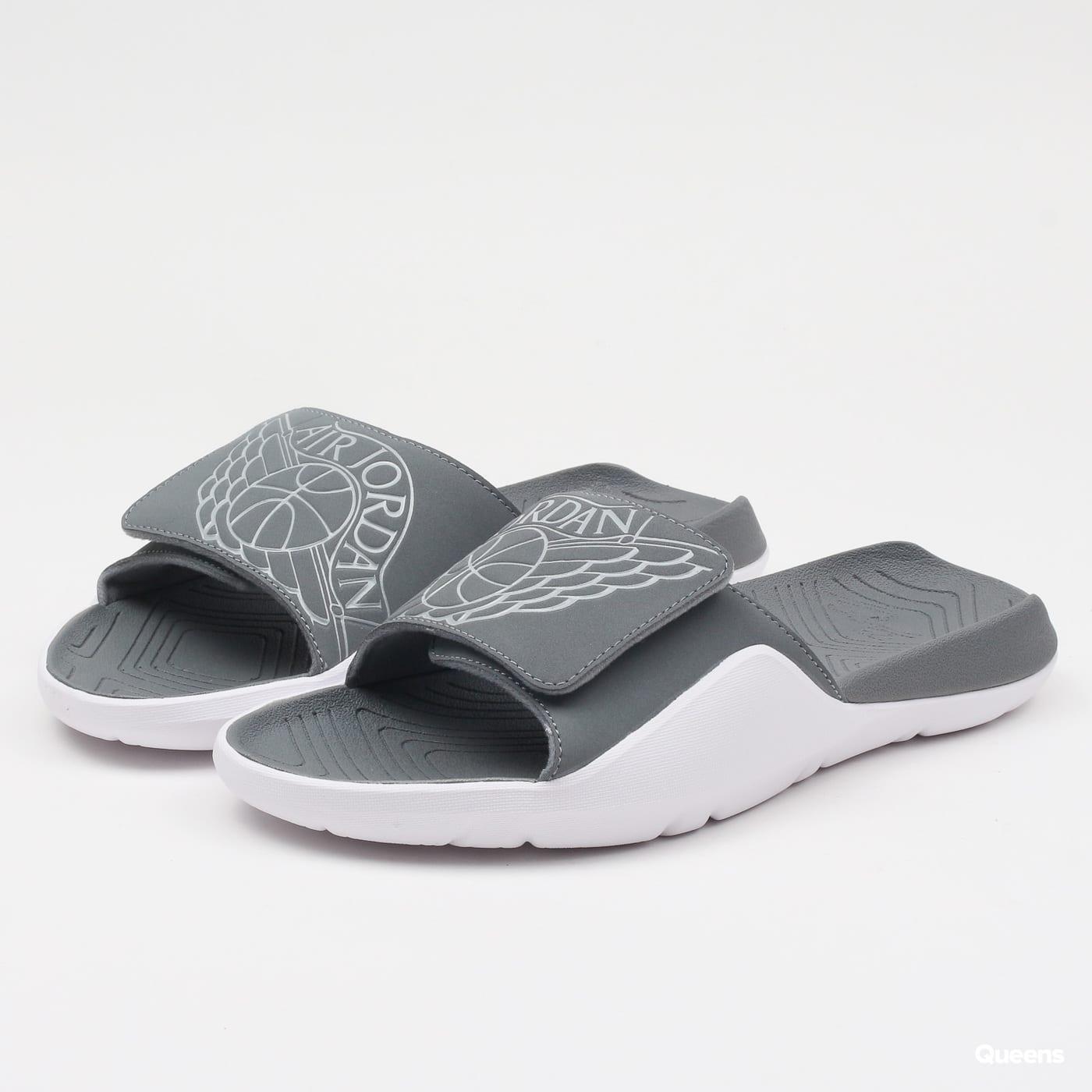 Žabky a pantofle Jordan – Queens 💚 894c518611