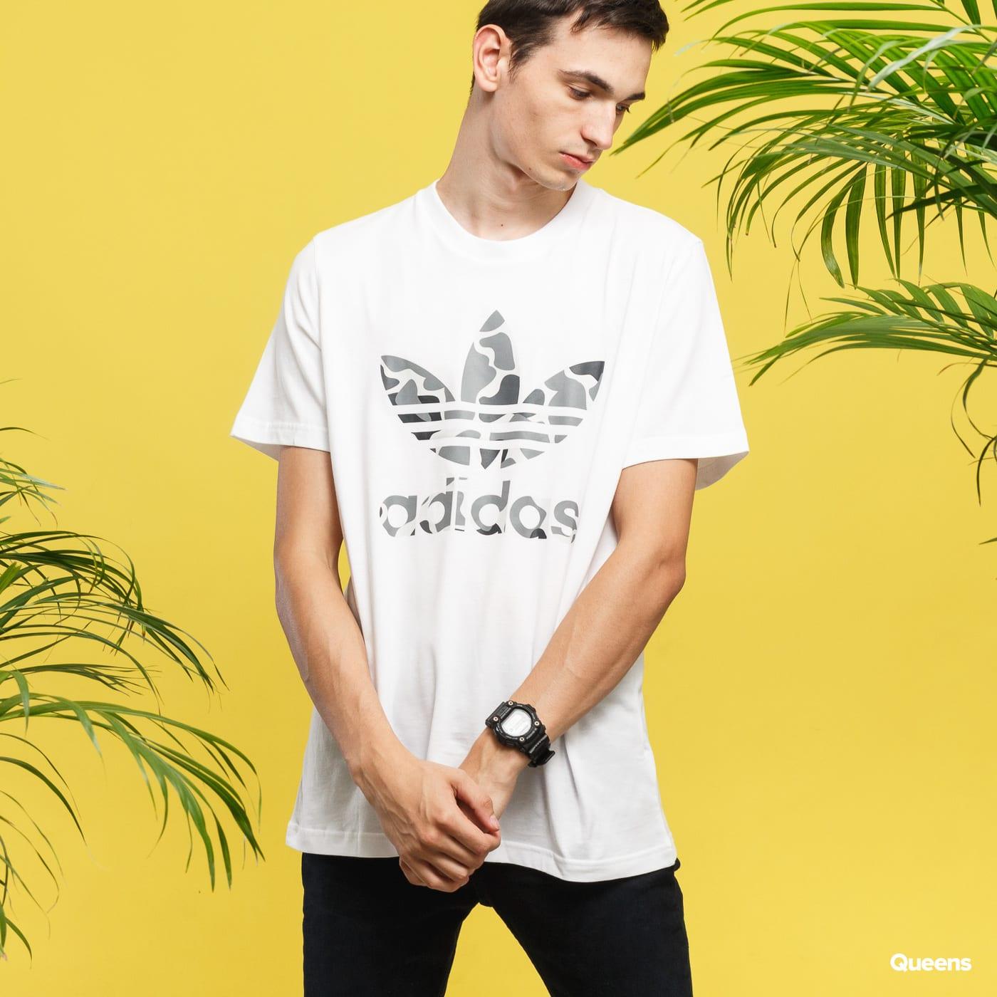 3c22845e Short Sleeve T-Shirts adidas Originals Camo Trefoil Tee white (DH4767) –  Queens 💚