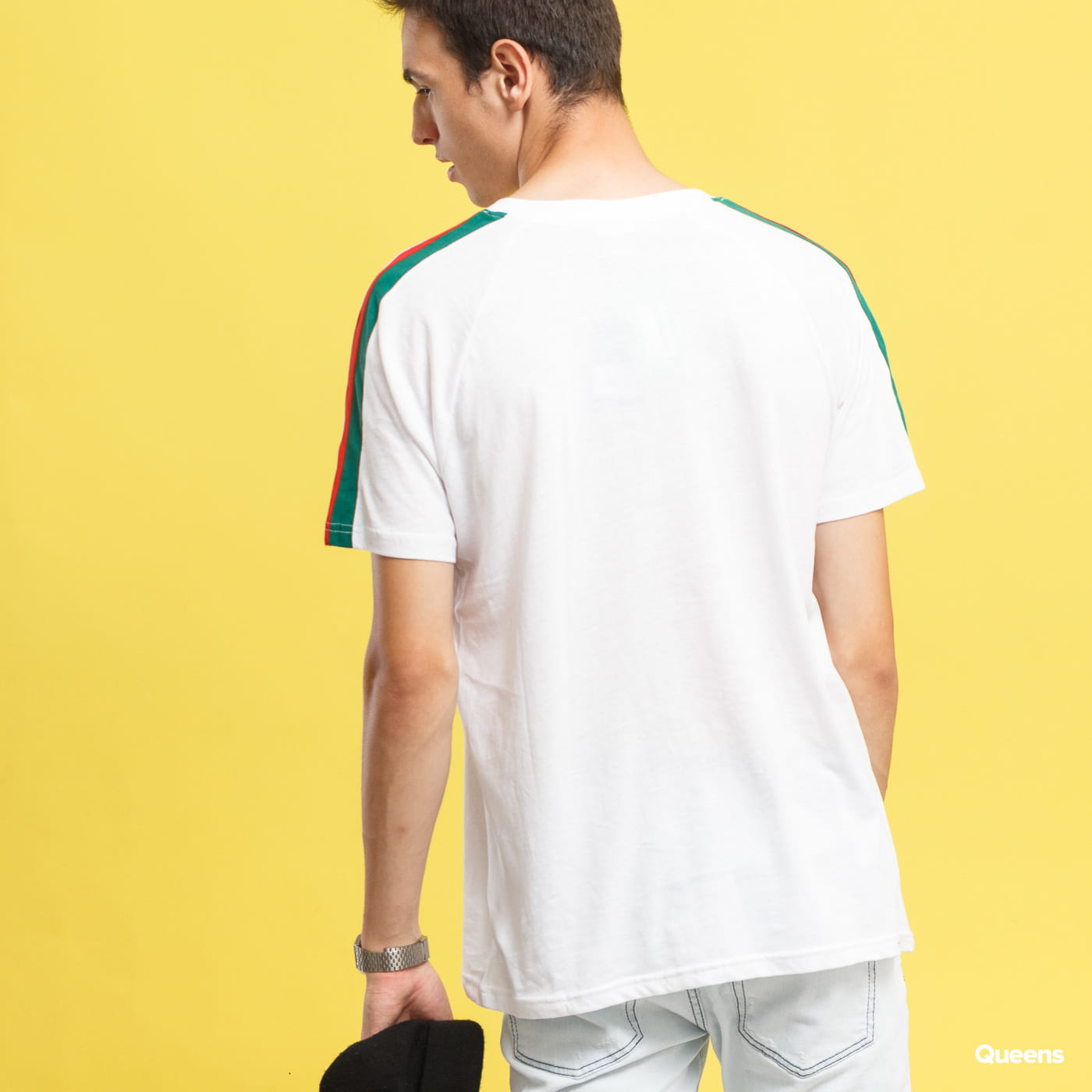 Urban Classics Stripe Shoulder Raglan Tee biele / červené / zelené