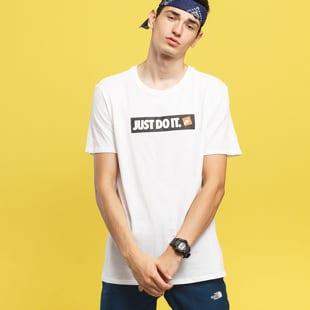 8e3e8fa7 Short Sleeve T-Shirts Nike M NSW Tee HBR 1 (AA6412-100)– Queens 💚