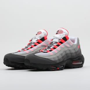 calidad asombrosa atesorar como una mercancía rara últimos diseños diversificados Sneakers Nike Air Max 95 OG white / solar red - granite - dust (AT2865-100)  – Queens 💚