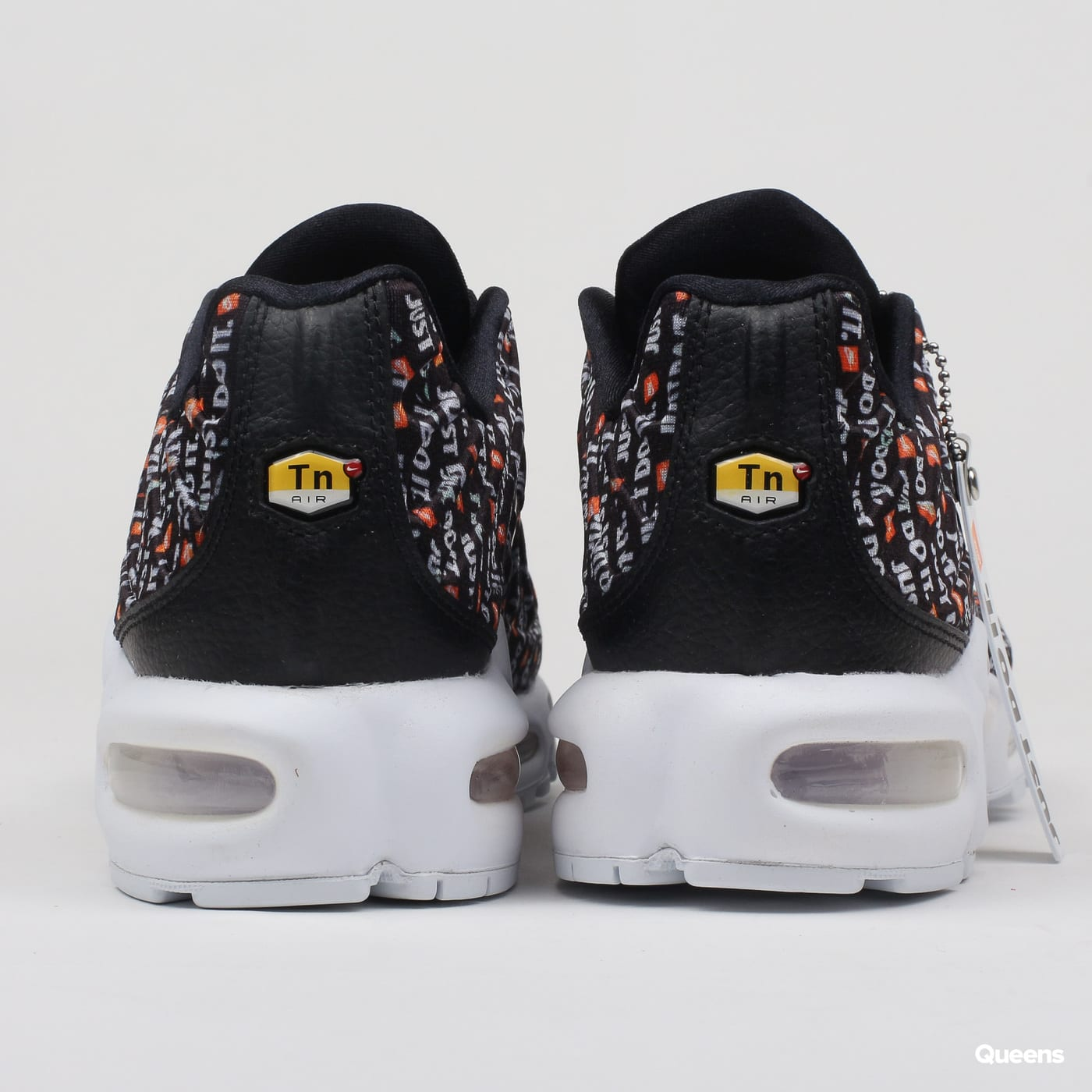 Nike WMNS Air Max Plus SE black / black - white - total orange