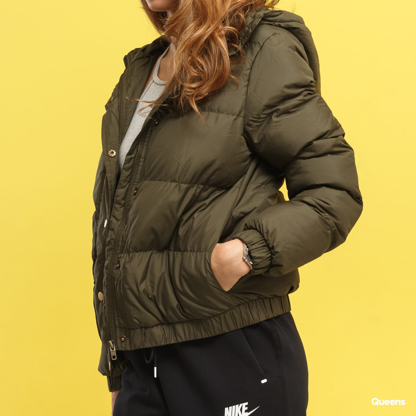 Urban Classics Ladies Hooded Puffer Jacket dunkeloliv