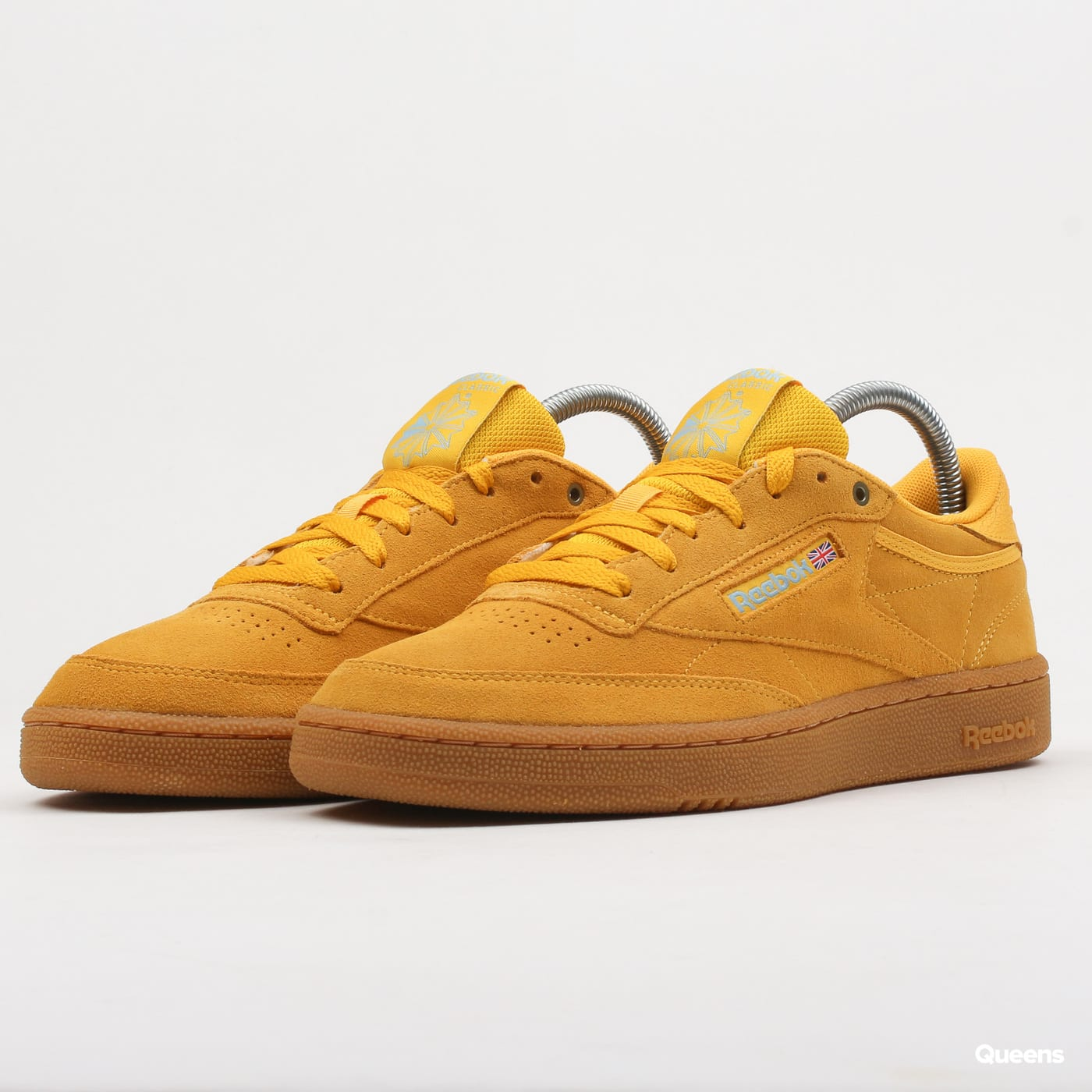 dcaabd01e7c Sneakers Reebok Club C 85 MU banana / blue / gum (CN3867) – Queens 💚