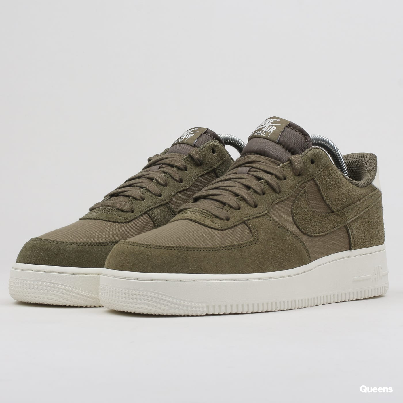 newest 3dbbd 5ea3a Sneakers Nike Air Force 1  07 Suede (AO3835-200)– Queens 💚