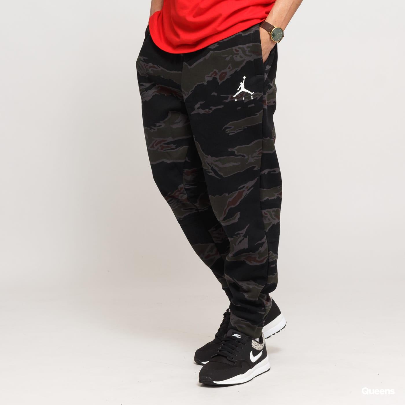 15305b06eb40 Sweatpants Jordan Jumpman Fleece Camo pant (AV2316-010)– Queens 💚