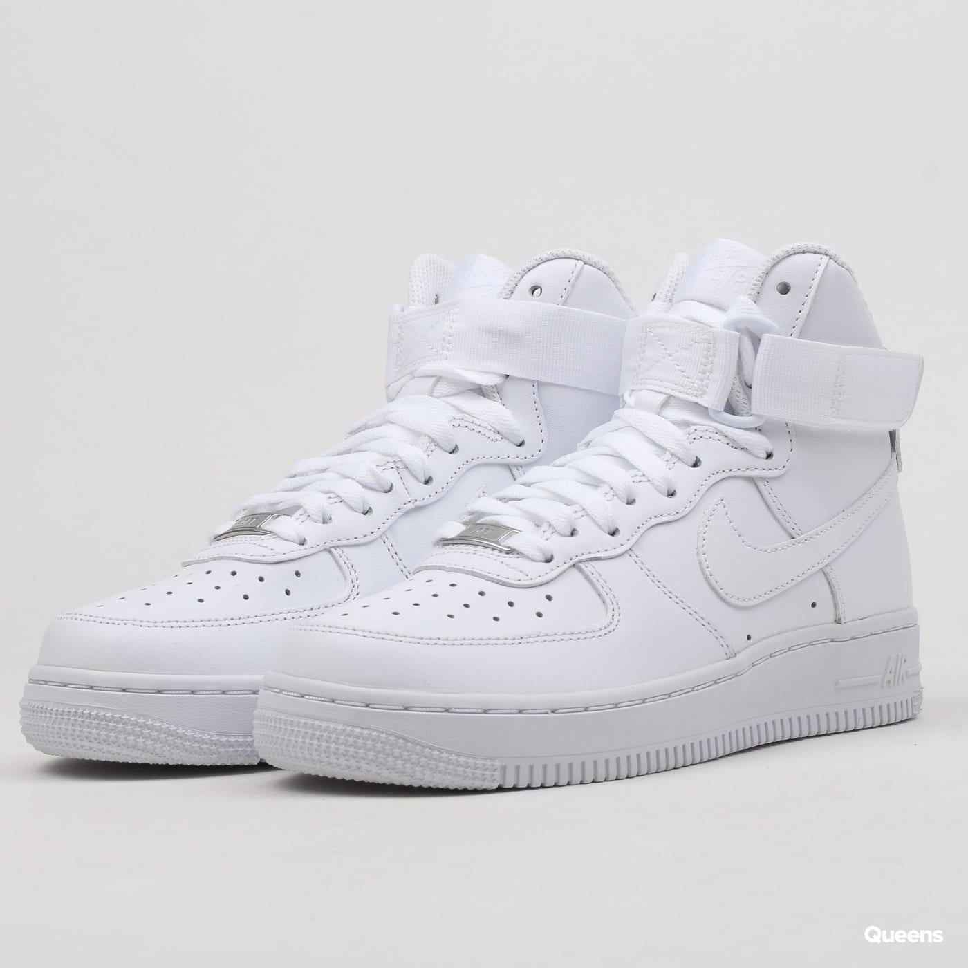 Slevy – Dámské boty Nike – Queens 💚 af21f87079