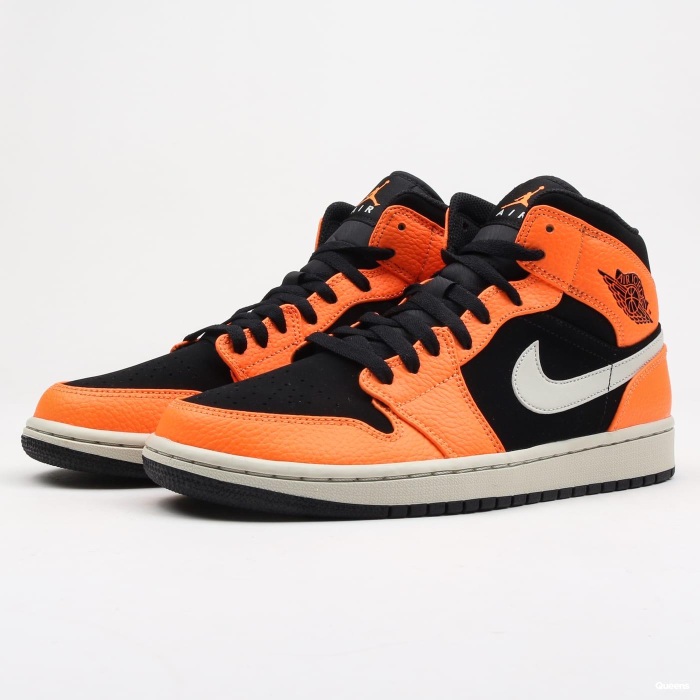 buy popular 95000 0a0a6 Sneakers Jordan Air Jordan 1 Mid (554724-062)– Queens 💚