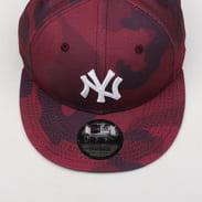 New Era 950 MLB Camo Color NY camo vínová / čierna