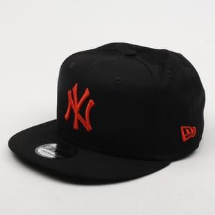 Černé snapback čepice (kšiltovky) – Queens 💚 dc7d4eebd0
