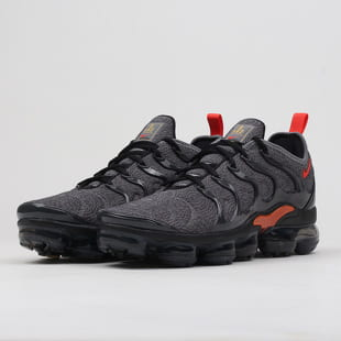 new york on feet shots of sale uk Sneakers Nike Air Vapormax Plus cool grey / team orange (924453 ...