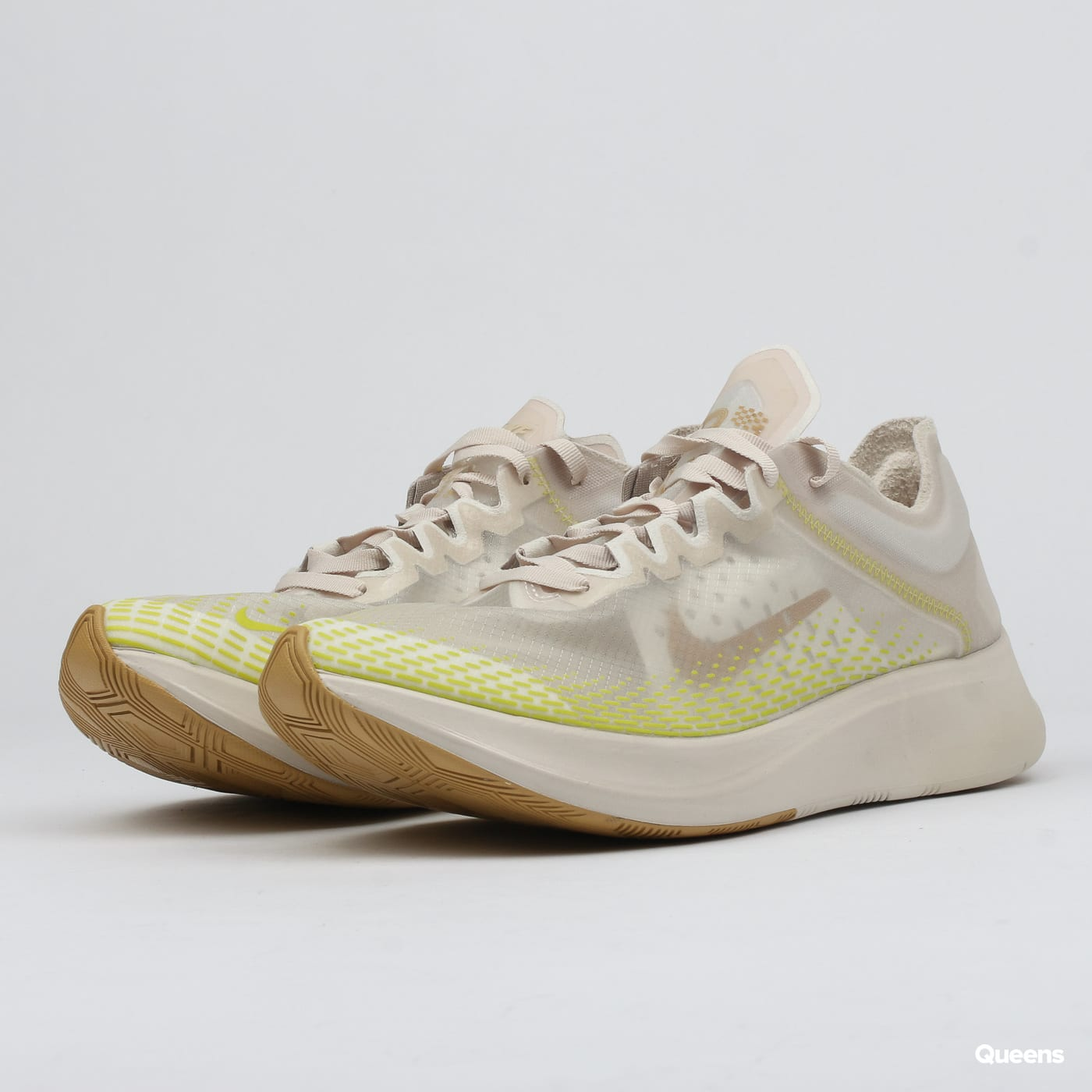 7851c4f4a4b33 Sneakers Nike Zoom Fly SP Fast (AT5242-174)– Queens 💚