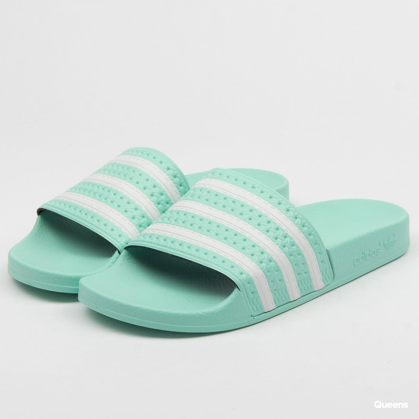 2066996ce adidas Originals Adilette W (CG6538)– Queens 💚