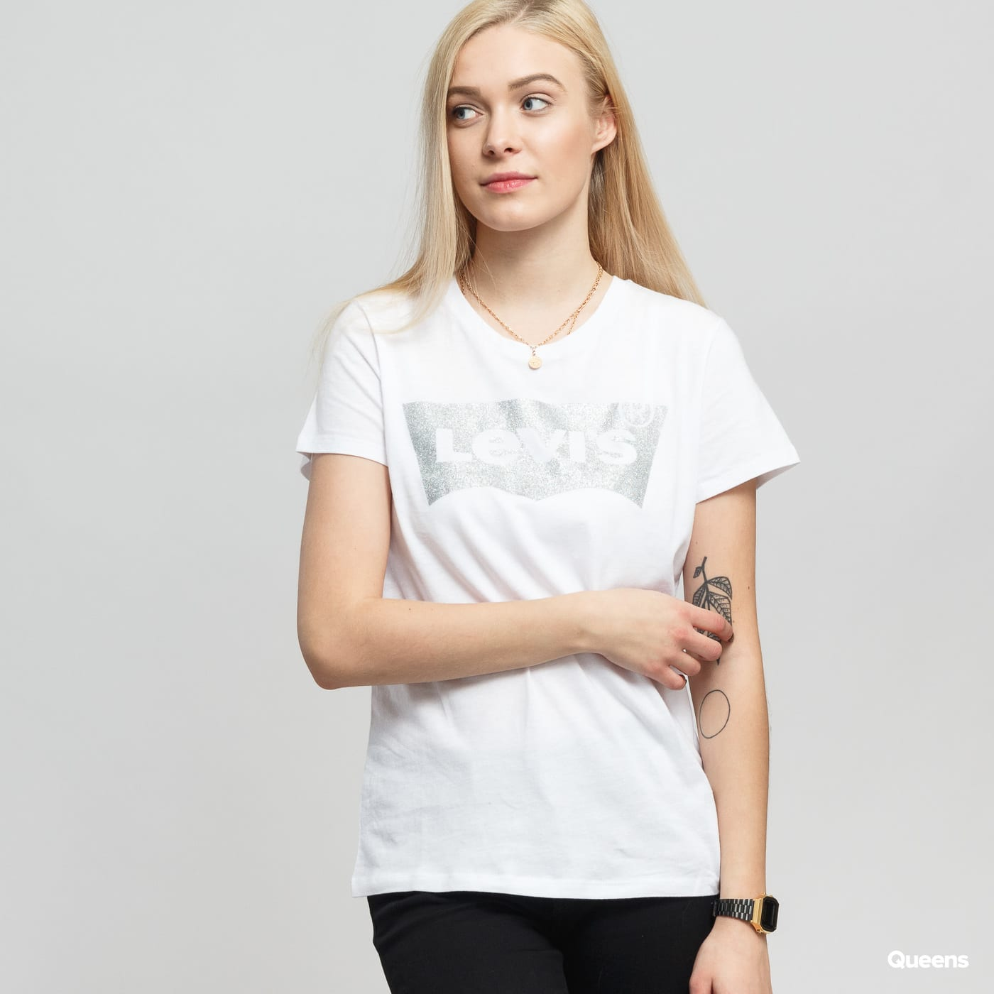 Dámské tričko Levi s ® The Perfect Tee Holiday Tee (17369-0484) – Queens 💚 d377970602