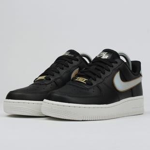 Nike WMNS Air Force 1 '07 MTLC