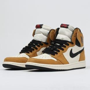 520beac9af3487 Sneakers Jordan Air Jordan 1 Retro High OG (555088-700)– Queens 💚