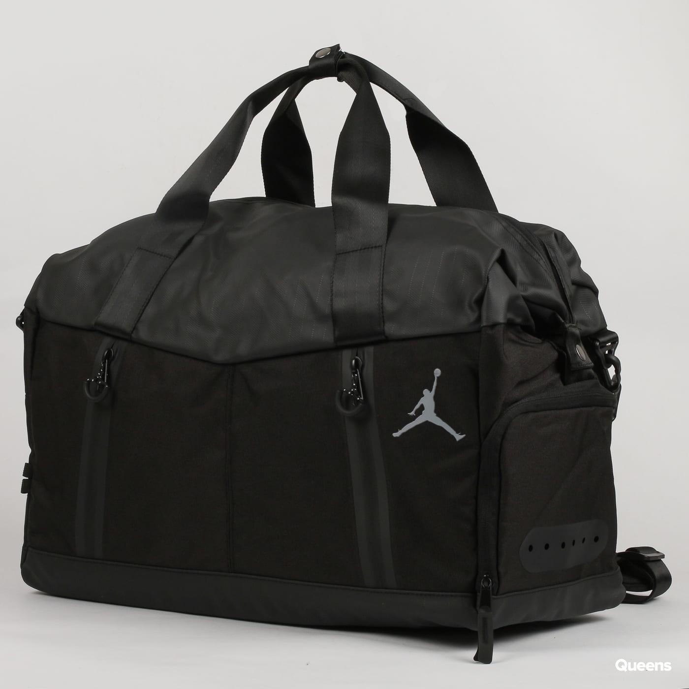 4ad6c036fb77 Travel bag Jordan Airborne Weekender (9A0045-023)– Queens 💚