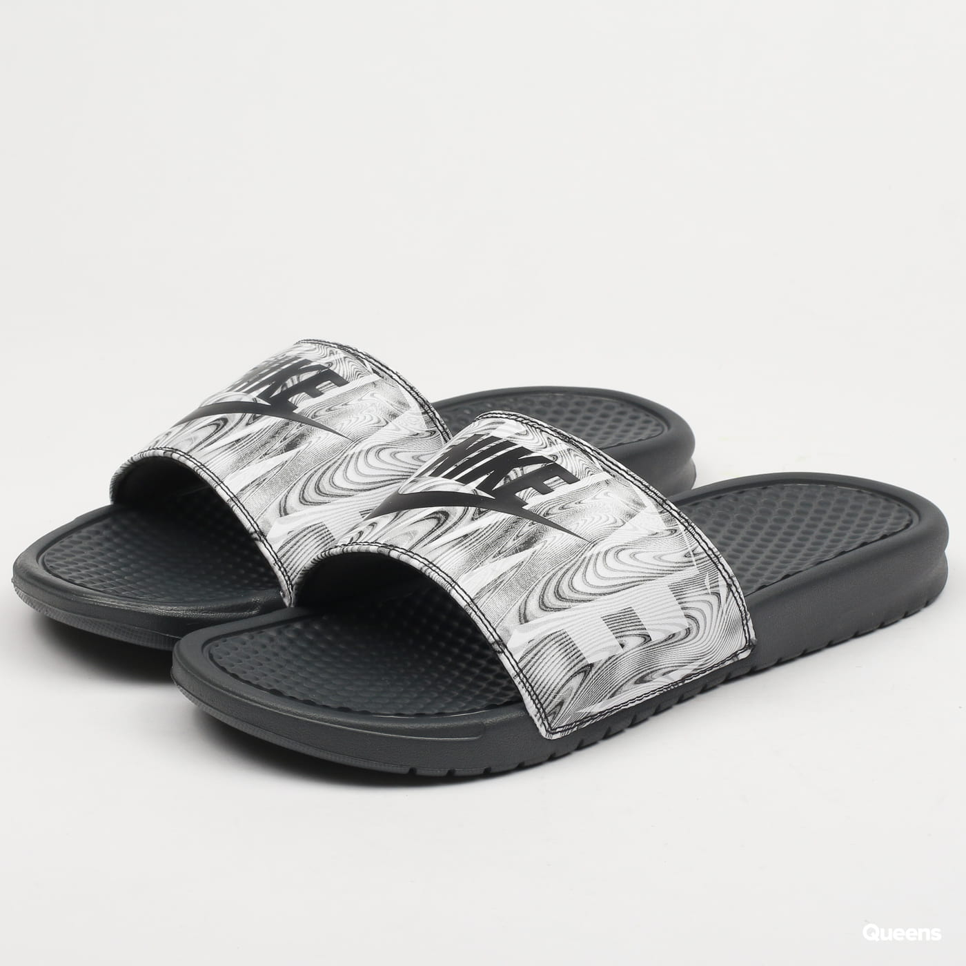 best value ee530 4fe1b Nike Benassi JDI Print (631261-021)– Queens 💚